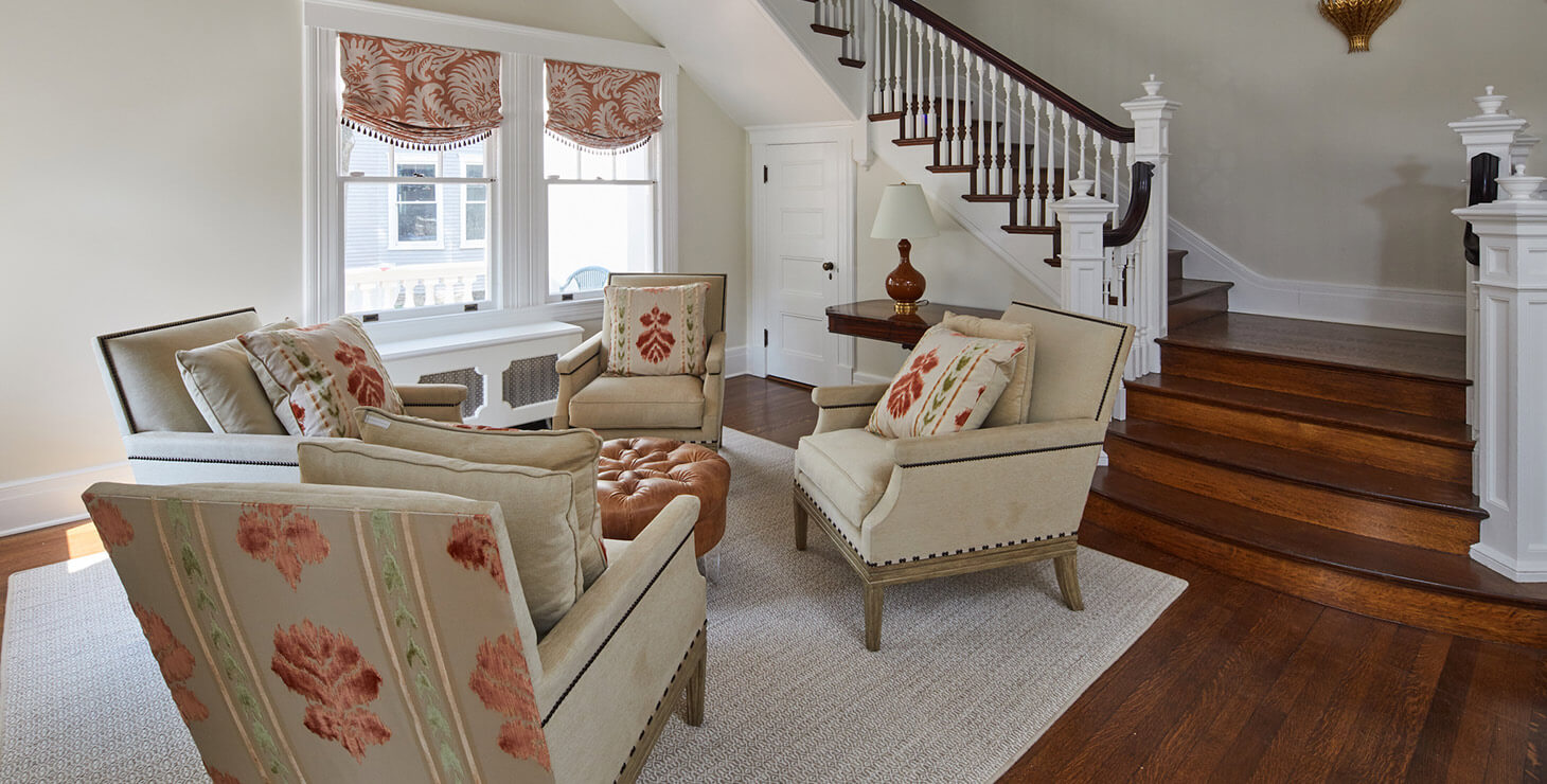 Sitting area by the stairs